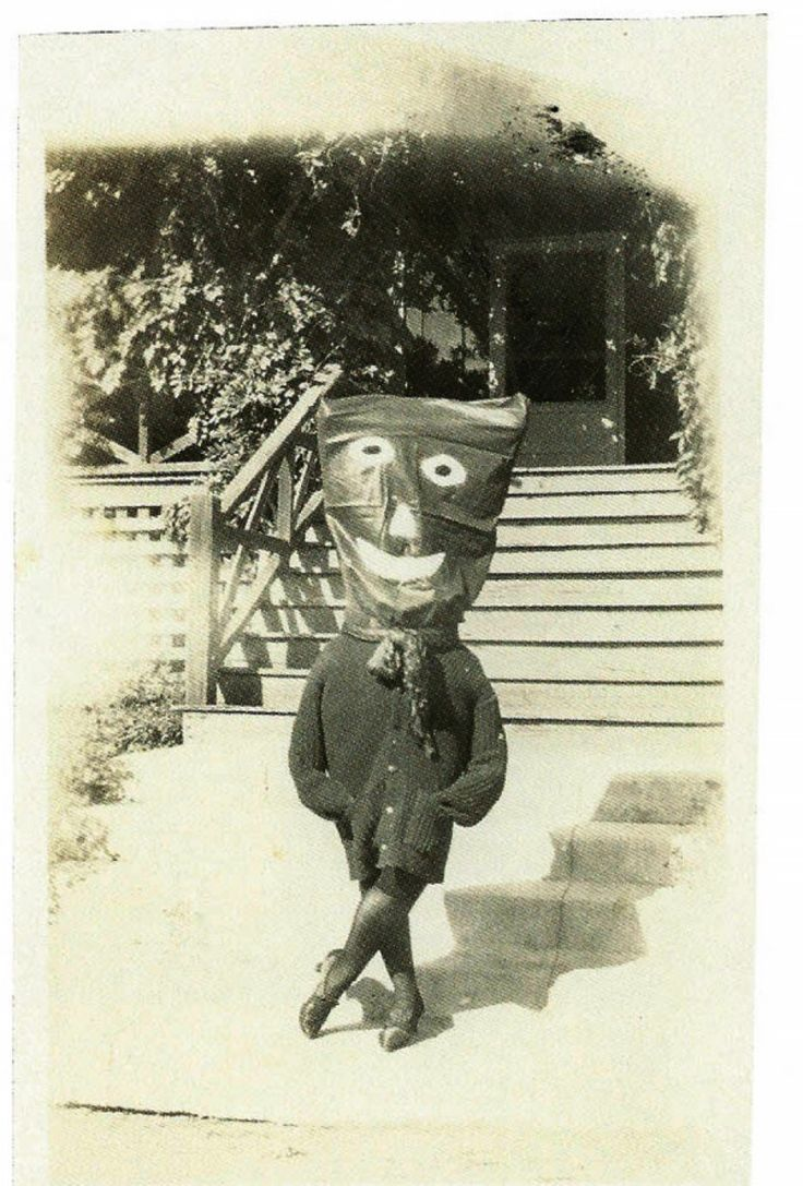 Il y a 100 ans, les premières photos d'Halloween foutaient vraiment les jetons   Buzzly