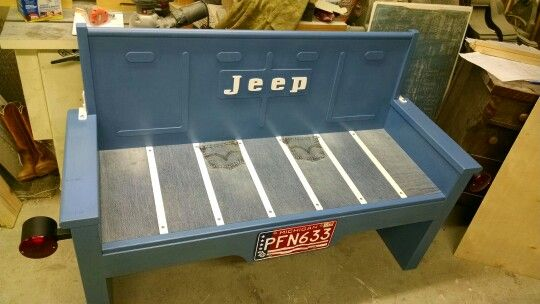 Wooden Jeep tailgate bench tribute to the Levi's edition. Built by Kyle Grove, Gladwin, Michigan.