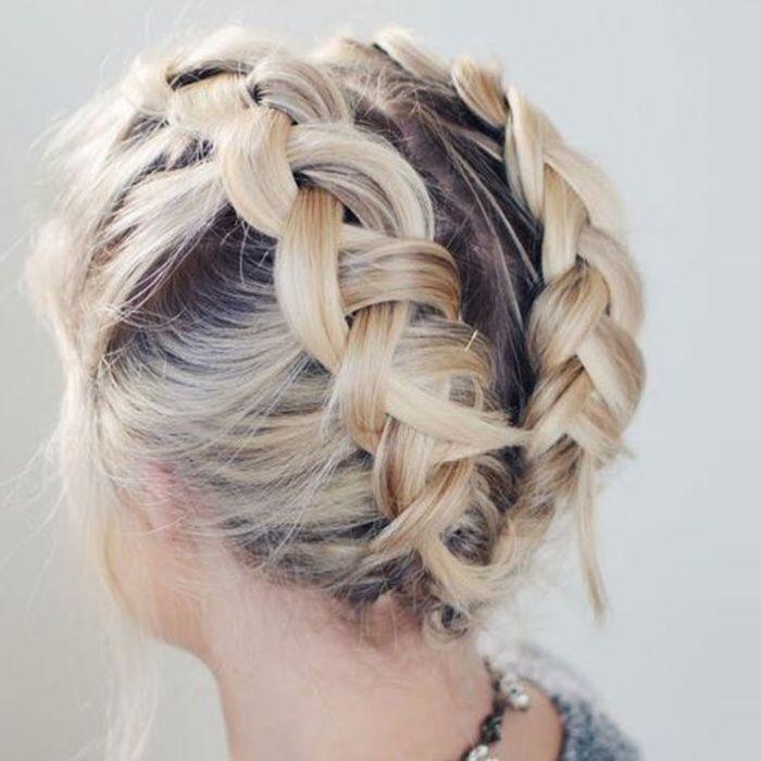 Non, il ne faut pas nécessairement la crinière de la Reine des Neiges pour oser les tresses les plus stylées. Voici 10 idées de coiffures qui raviront aussi les cheveux courts !