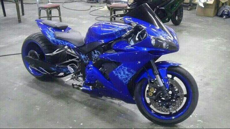 Custom Yamaha R1   Deu...