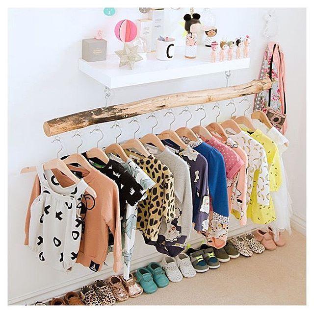 Ook voor de allerkleinsten heb je prachtige, duurzame kledingmerken! 10 shoptips, want deze (online) kledingwinkels zijn absoluut de moeite waard om te bezoeken. #linkinbio #duurzaam #zwanger #tips #kleding #baby #shoppen #blog #online #winkels @ammehoela.kids @freskbaby @iek.en.jet @gray_label @daddyproofkidswear @hijenzijboutique.nl @liefslila  @nixnut.nl @noeser_kidsclothing