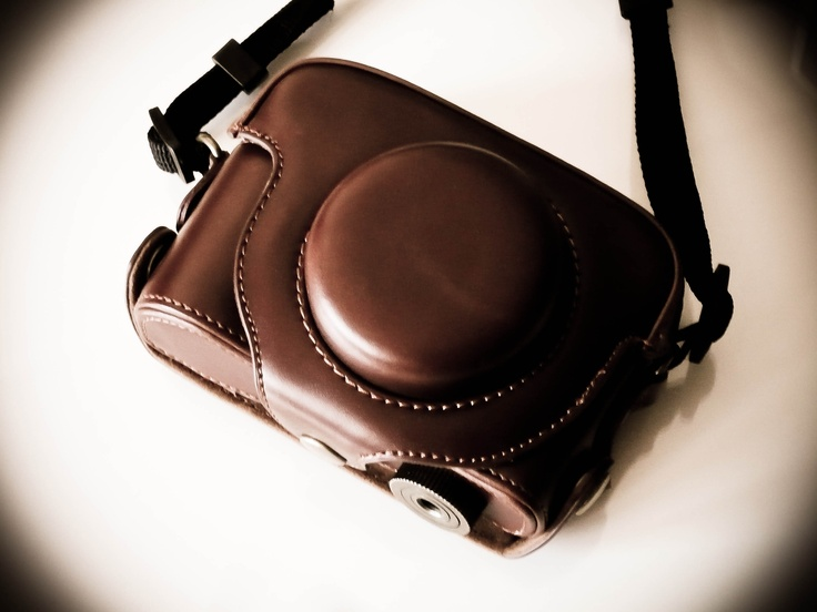 2 Parts Hard Leather Case with Tripod fixing (Brown)