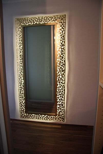Wohnzimmer bilder mit rahmen  Spiegel mit Rahmen aus 1 mm Stahlblech, mit LED´s hinterleuchtet ...