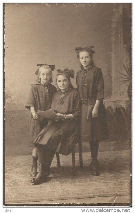Fotokaart   - Portret van drie zussen