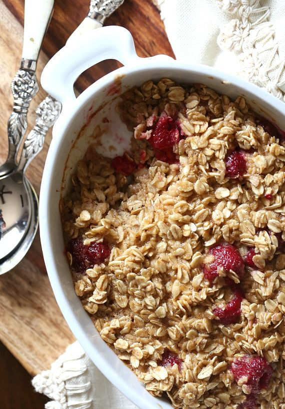 baked raspberry oatmeal // seriously delish.
