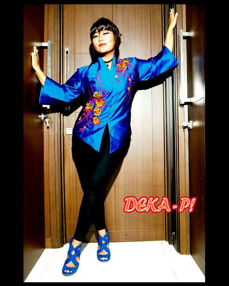 Limited Edition!!!  Kebaya Bordir IDR 200K  Grab this kebaya fast girls 😍😍😍  #fashion #kebaya #party #pesta #kondangan #kondanganootd #ootd #fashionblogger #fashiongram #style #tunik #kaftan #dress #gaun #onlineshopping #jualbaju #fashionart #fashionable #womenfashion #fashionista #fashioncewek #fashionstyle #jualanku #ootdindonesia #jualbajumurah #dharmawanita