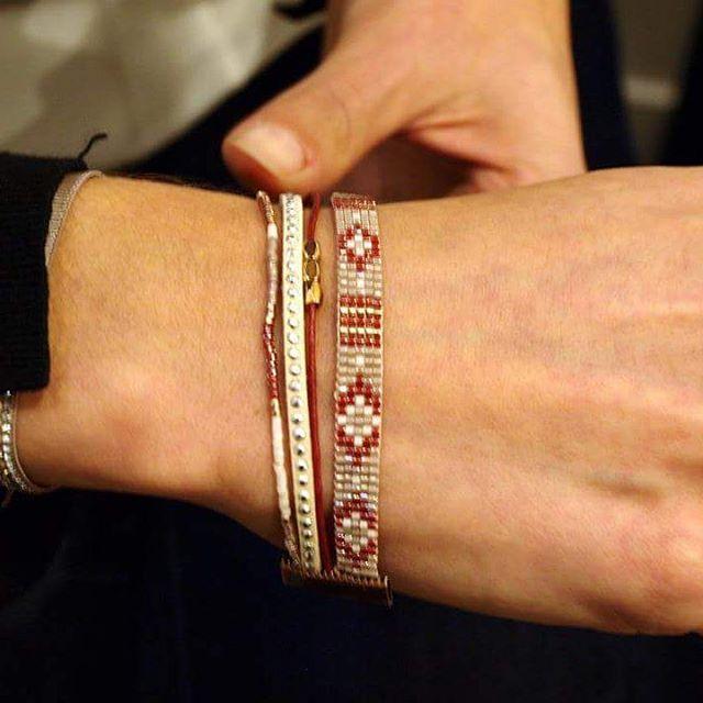 Nos clientes ont du talent! Bracelet en #perles #Miyuki tissé lors de l'atelier tissage de samedi dernier, associé par la suite à d'autres cordons et montés dans une petite #manchette très élégante! Et vous qu'allez-vous créer? ;) Prochain atelier demain samedi : techniques de base avec le montage sur #chaîne, plus que quelques places à saisir --> www.weezevent.com/atelier-techniques-de-base-de-la-creation-de-bijoux-montage-sur-chaine  #lecomptoiraperles #ateliers #faitmain #DIY #workshops…