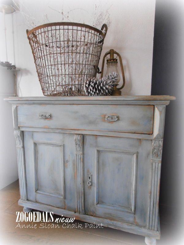 Duck Egg Blue met Aubusson gekleurde clear wax en dark wax en lekker doorgeschuurd. Annie Sloan Chalk Paint/Krijtverf