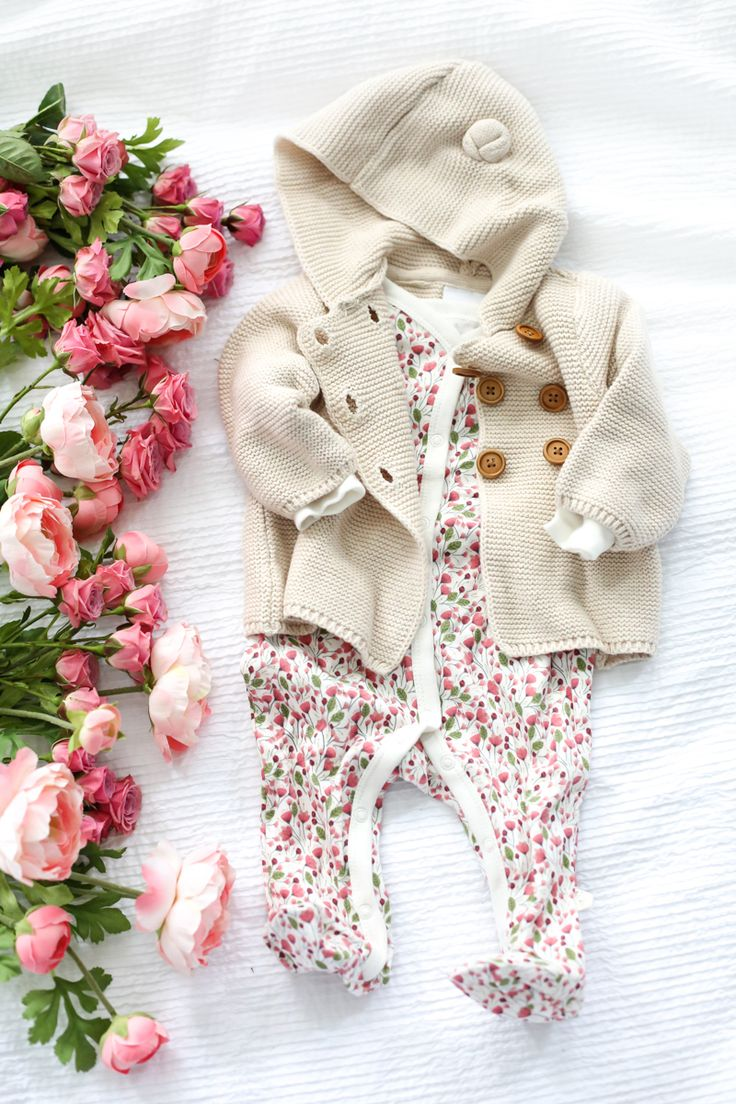 How cute is this baby girl outfit?! It's from Jaclyn Smith Kmart baby @kmart