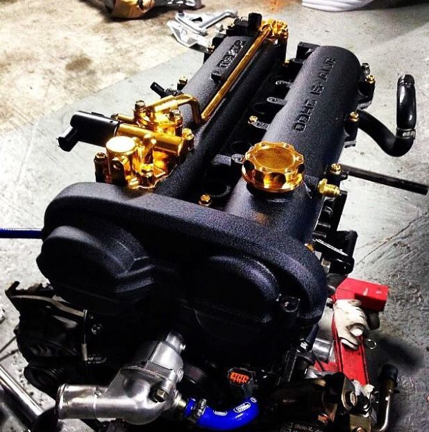 Awesome looking Miata Engine.