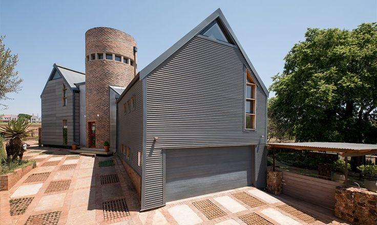 Contemporary Farm-style Home