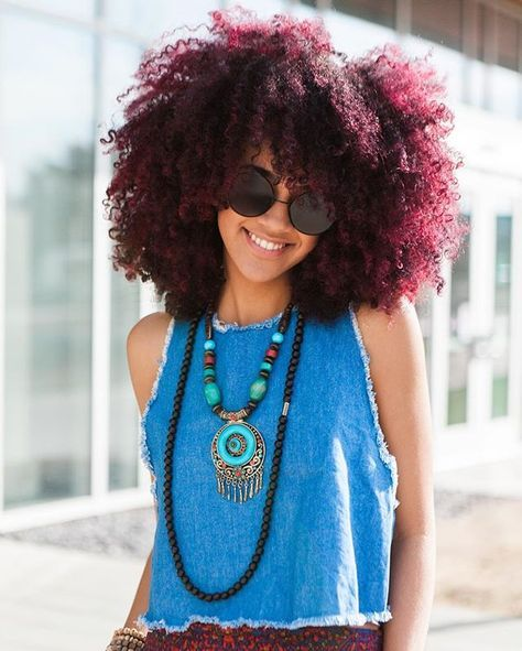 "naturalhairqueens:  ""omg her fro is like this beautiful mix of burgundy, magenta, and purple. It's so awesome!  """