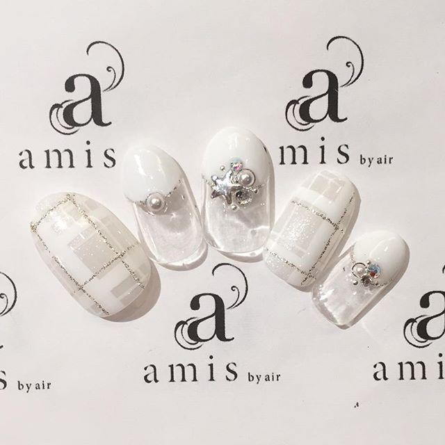 《まるで雪みたい*》真っ白で大人可愛い「ホワイトネイル」のデザインまとめ♡+.゜ | GIRLY