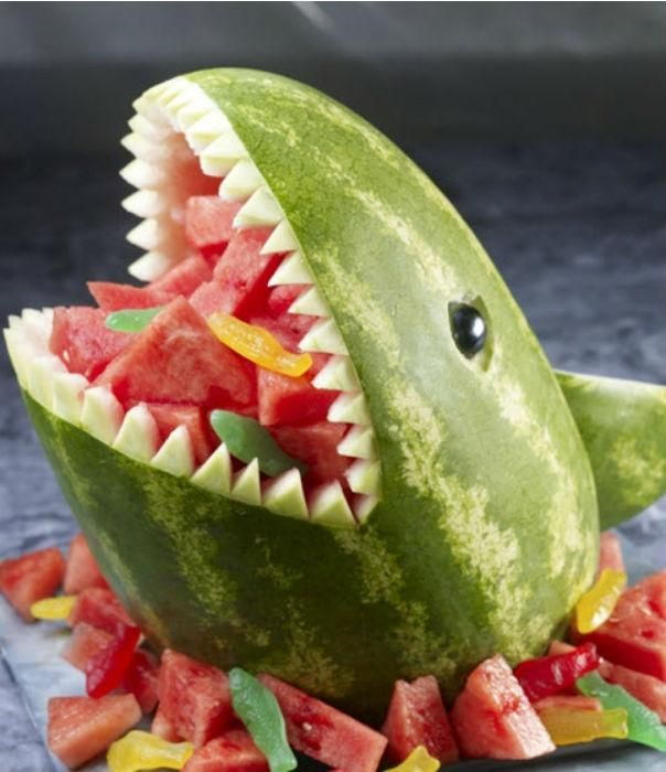 We love this watermelon that's reenacting a gruesome scene from Jaws.