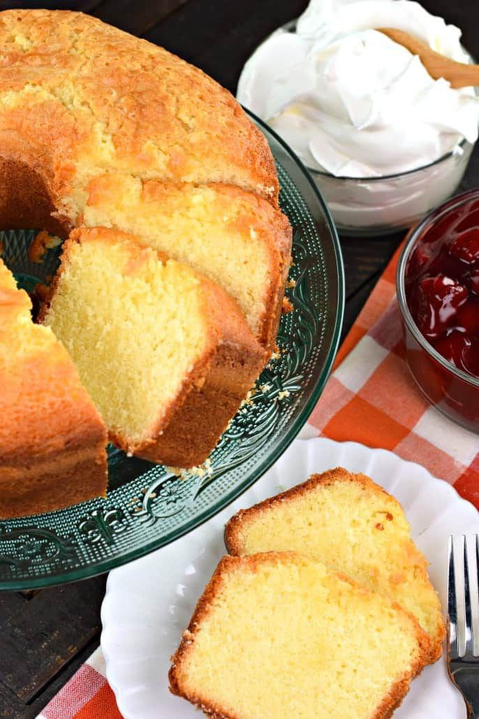 Classic Old Fashioned 7 Up Pound Cake Recipe Cake Poundcake Dessert Southernfood Cake 7up Pound Cake Pound Cake Recipes Sweet Recipes Desserts
