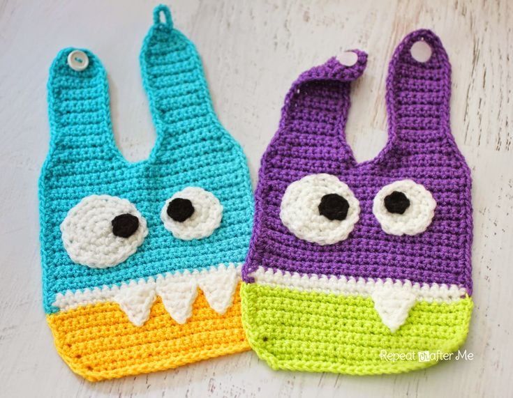 Repeat Crafter Me: Crochet Monster Baby Bibs ༺✿ƬⱤღ  http://www.pinterest.com/teretegui/✿༻