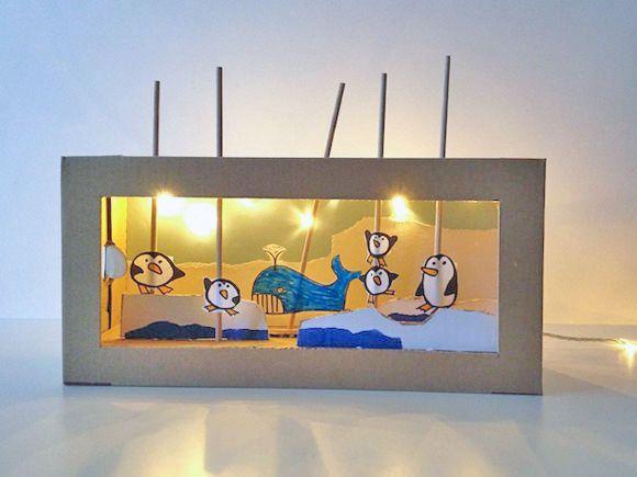 Kisten-Theater mit Beleuchtung