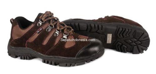 Sepatu boot TMS 044 adalah sepatu boot yang nyaman dan kuat...