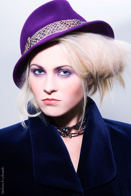 A hat to be special everyday... Purple fedora for the rebellious ! Mademoiselle Slassi (Paris)