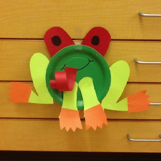 Paper plate Tree Frog for Rainforest week!!
