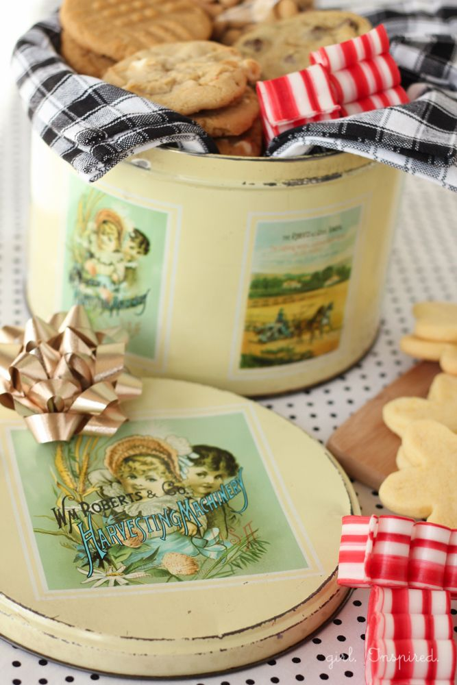 How to start a Cookie Tin Tradition - this would be fun any time of year!  #tradition #cookies #spon