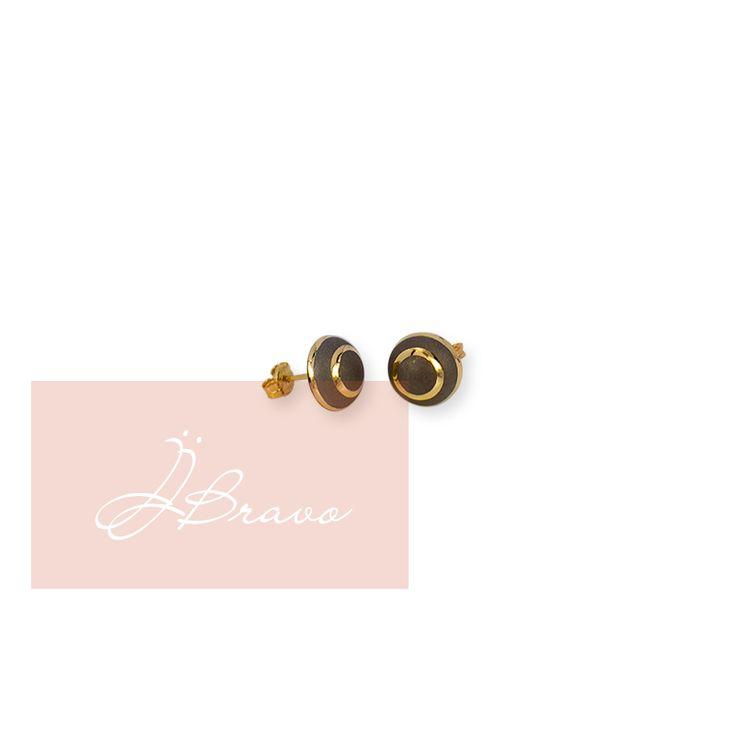 Pendientes de la nueva colección primavera-verano, combinan con todos los looks.  Earrings of the new spring-summer collection, mix with all looks.