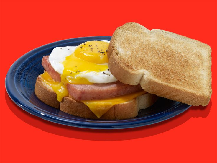 Enjoy an eggcellent breakfast using SPAM® Single Classic in this quick & easy breakfast sandwich recipe. SPAM® and eggs is a tasty combination, try it today!