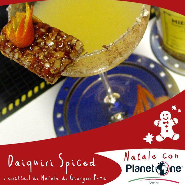 Il Daiquiri Spiced,  i cocktail di Natale di Giorgio Puma.  Un cocktail che richiama gli aromi dei dolci tipici del Natale: il torrone di mandorle, la 'cubaita' e i biscotti allo zenzero, miele, scorze d'arancia, cannella e mandorle, il tutto rafforzato e unito dall'aroma di rum. Ingredienti: Havana Club 3, succo di lime, arancia pestata con zenzero fresco, miele millefiori, spolverata di cannella, torrone di mandarle e scorze d'arancia
