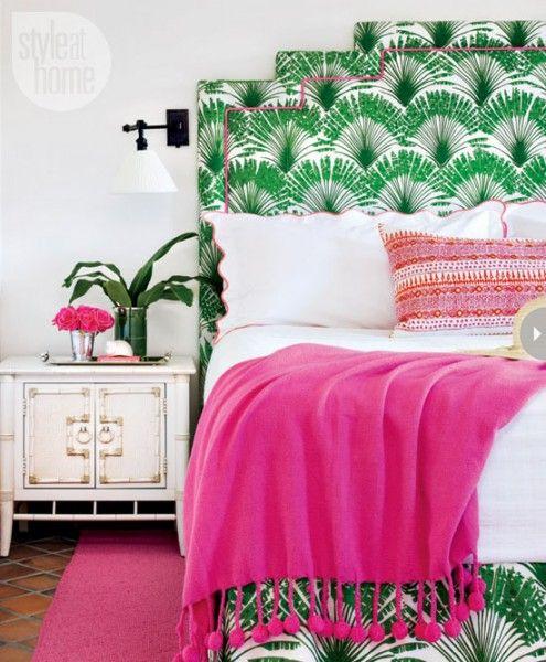 tropische slaapkamer groen met knalroze accenten - woontrend 2014 - tropical chique #slaapkamer #kleurrijk #woonaccessoires