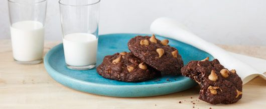 ... Recipe - Chewy Chocolate-Oatmeal & Peanut Butter Cookies #duncanhines