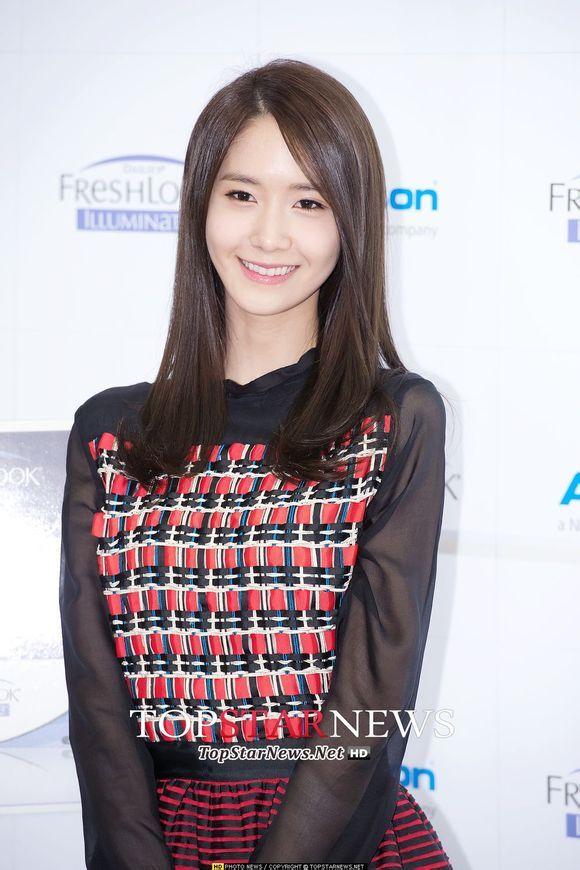 #Yoona #윤아 #ユナ#SNSD #少女時代 #소녀시대 #GirlsGeneration 140212 Alcon CF Press