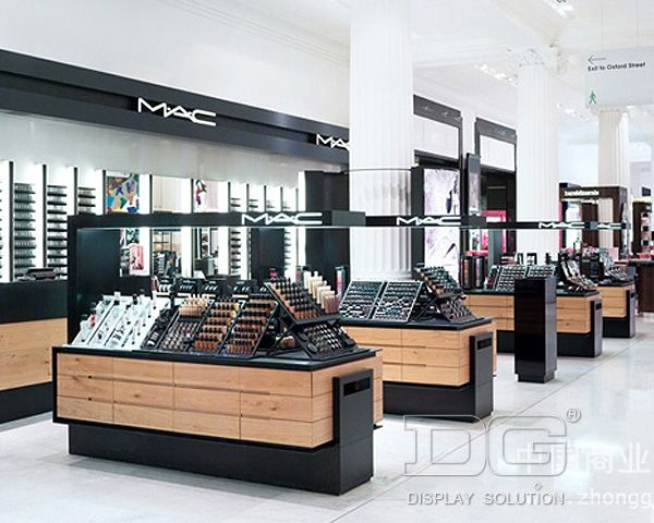 Selfridges Beauty Hall By HMKM London Store Design