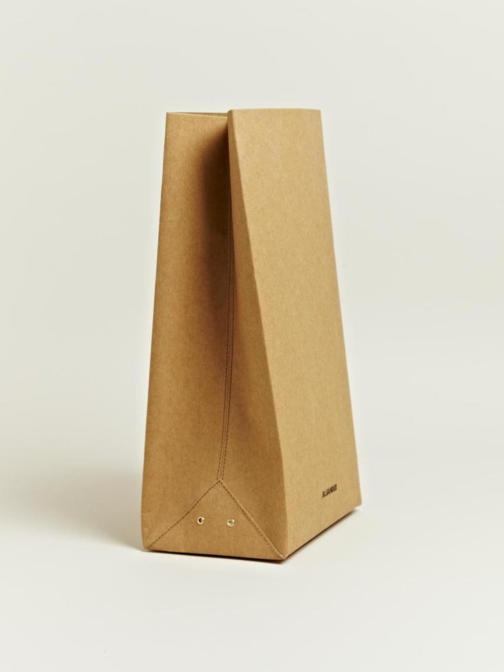 Jil Sander men's Medium Vasari Bag from A/W 12 collection sold out at €221.97 via http://www.ln-cc.com/invt/jil0110027car#: Sander Men'S, Men'S Medium, But Medium, Paper Bags, Lunches Bags, Cars, Medium Vasari, Bags Cost, Vasari Bags
