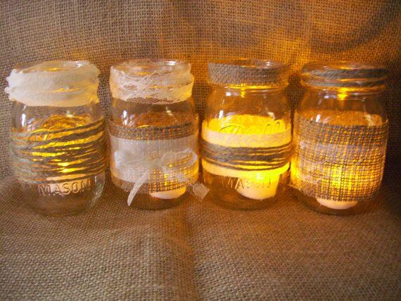 12 Jute & Lace Mason Jar Mittelstücke Mason Jar Hochzeit Mittelstücke Land Twine Mason Gläser Sackleinen Mason Gläser Lace Mason Gläser