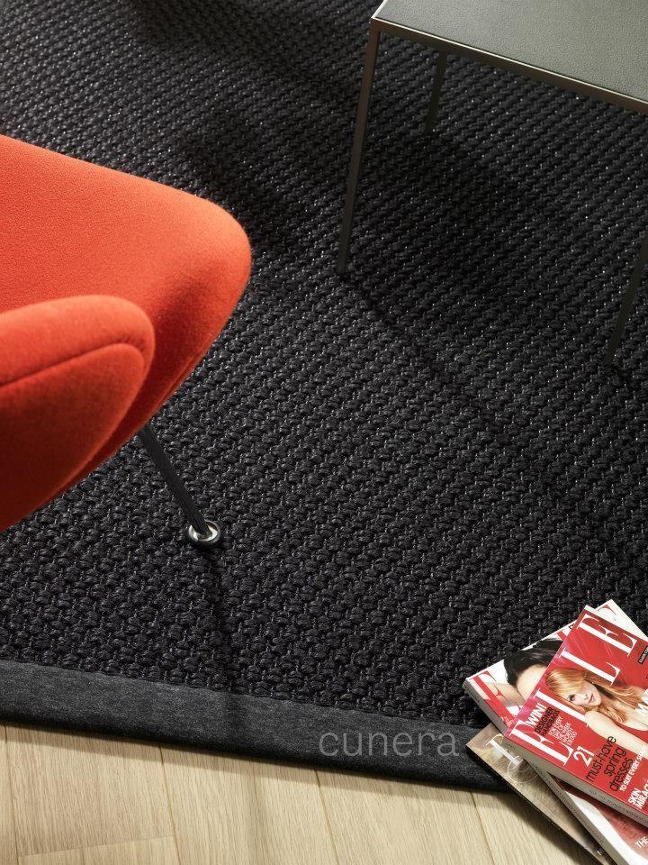 Maak kennis met Night Sky! Een sisal karpet met een geraffineerd lurex garen (oogt als zilverdraad) in de inslag voor een prachtig glinsterend effect! http://cunera.nl/nightsky_kamerbreed_nl.html