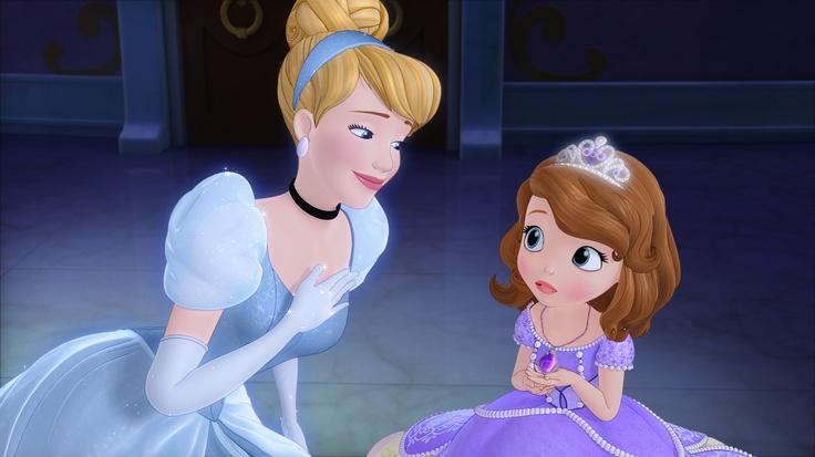 Princesse Sofia : Il était une fois une Princesse :  Cendrillon prodigue ses précieux conseils de princesse à Sofia  Retrouvez ce programme sur Disney Junior  © 2012 Disney