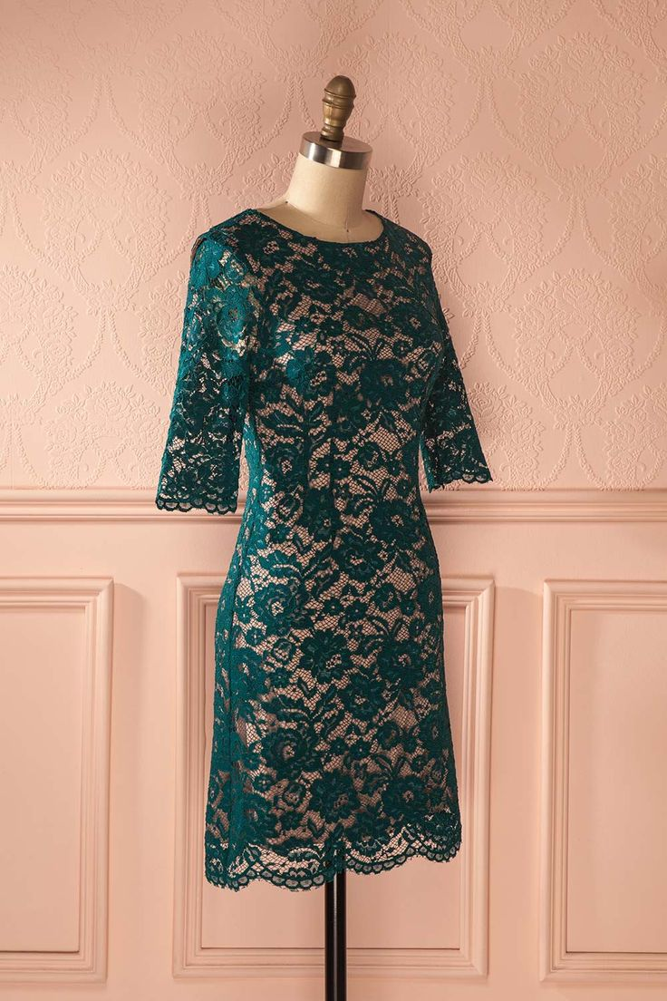 Finella - Green lace dress with beige lining