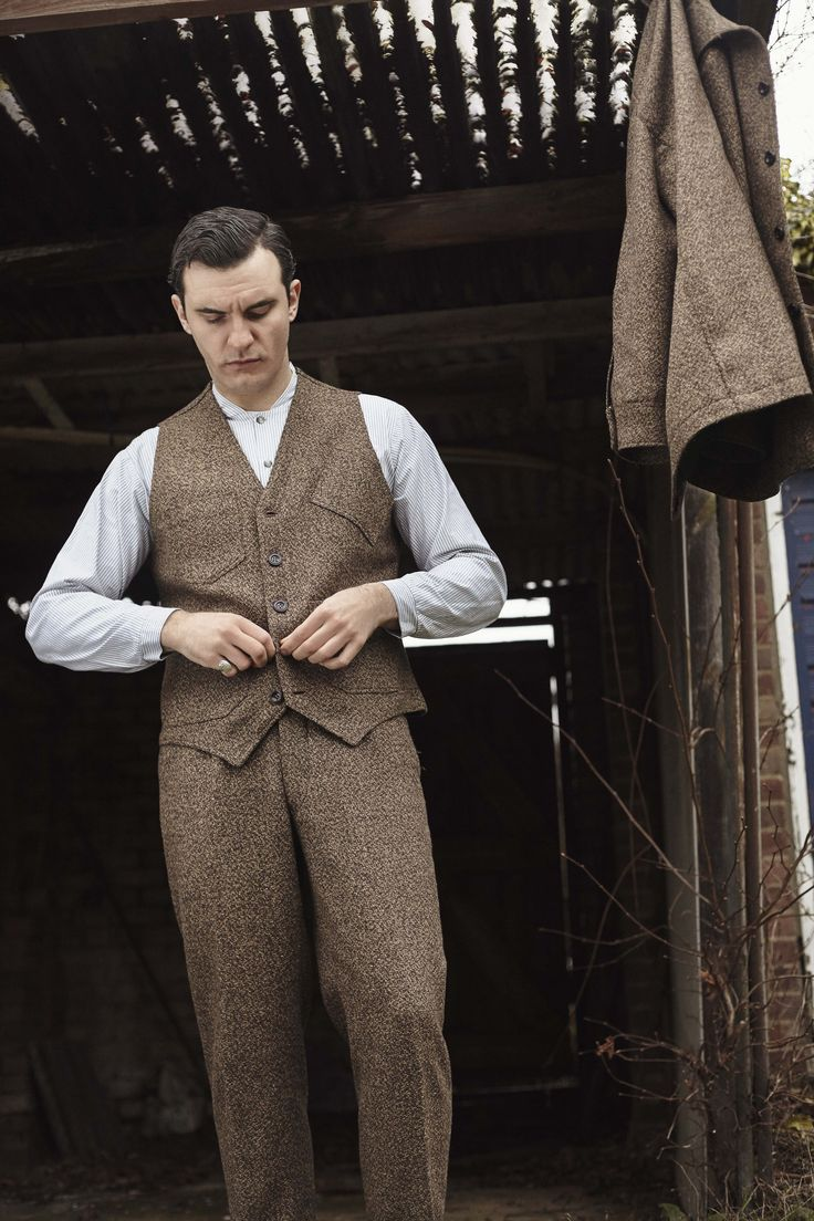 Sarge Jacket, Mason waistcoat, and Sepoy trousers in broucle tweed - Lanefortyfive.com