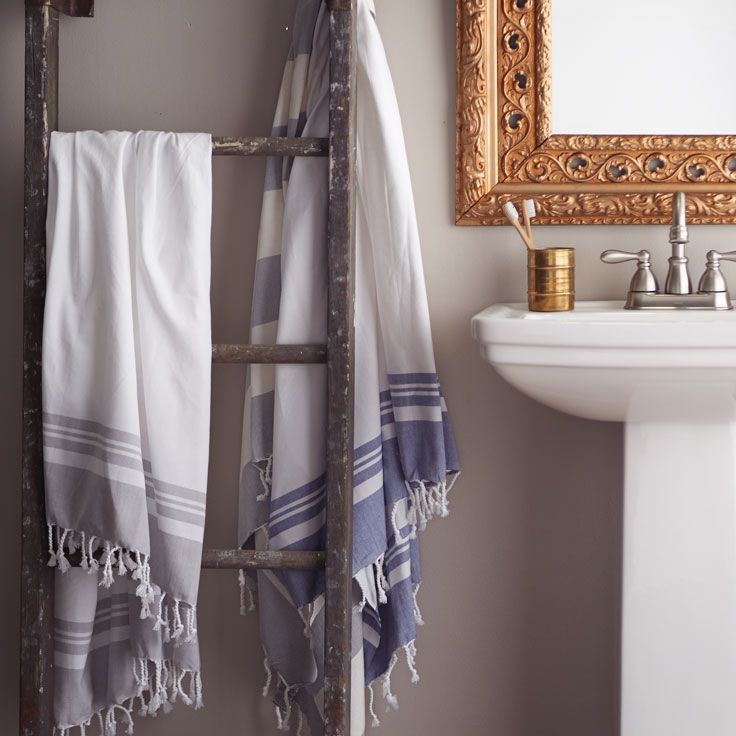 Mediterranean-inspired bathroomDe Bain, Bathroom Ideas, Déco Salle, Room