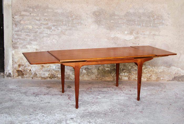 TABLE À MANGER VINTAGE EN TECK À RALLONGE, STYLE SCANDINAVE MEUBLE TV PARIS http://www.gentlemen-designers.fr