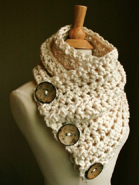 Free knitting pattern  http://whereismyhelmet.wordpress.com/2012/11/25/etsy-hack-knit-button-cowl/