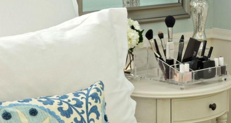 Outstanding Classic Theme Dorm Room Decor Ideas For Girls