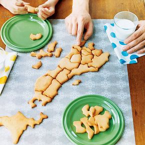 muhuhu:    (via kraso [クラソ]|日本地図をつくろう!日本列島クッキー型&ラッピングセットの会(7回限定コレクション)|フェリシモ)