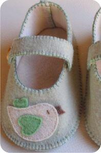 sapatinho de feltro para bebê