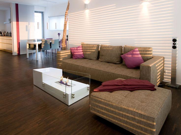 La biochimenea de suelo Poseidon, es ideal para utilizarlo como mesa de centro o auxiliar, dando un toque de diseño y elegancia a la estancia