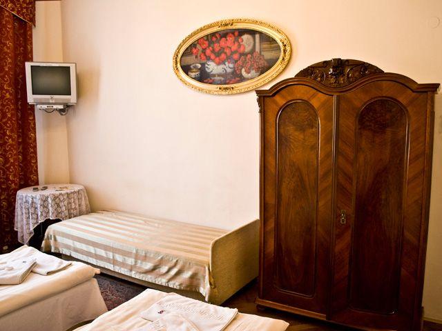 Tanie noclegi w centrum Krakowa. Więcej informacji pod adresem http://apartamenty-florian.pl/krakow