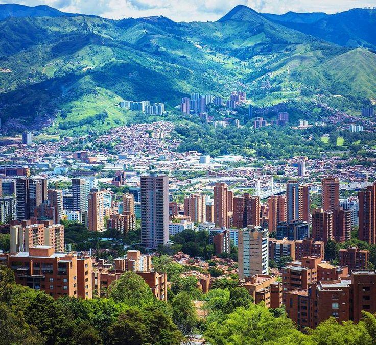Colombia - Panoramica de Medellin, Antioquia.
