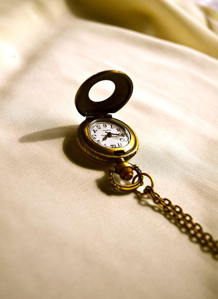 collar reloj antiguo (funciona de verdad) $5000