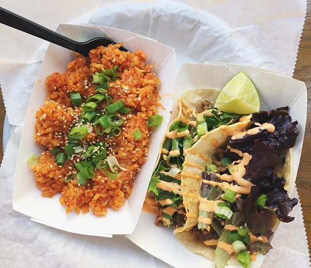 Oh.My.God. @seoultaco took me to paradise! Chicken tacos with Kimchi fried rice...that Mexican/Korean is on fire! Literally, my mouth is on fire 😮❤️ . . . . #vsco#vscocam#vscogood#vscofood#foodie#eeeeeats#instagood#infatuation#yahoofood#spoonfeed#food#foodig#foodig#hungrygrls#softcorefoodporn#buzzfeedfood#bgbcommunity#chicagofoodauthority#betcheswhoeat#balance#huffposttaste#hungrybetches#treatyourself#dailyfoodfeed#yahoofood#tacos#eatography#yummy#beforethebite#alwayshungrychi#getinmybelly