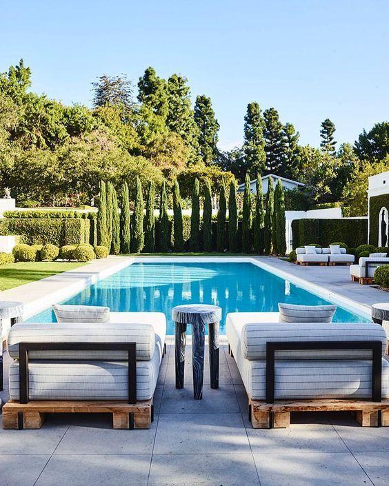 Nichts besser als ein rechteckiger Pool für Ihr Zuhause